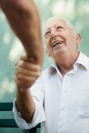 5 Simple Ways to Incorporate Graciousness into Senior Life