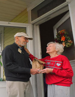 Cincinnati Seniors Stay Involved as Meals on Wheels Volunteers