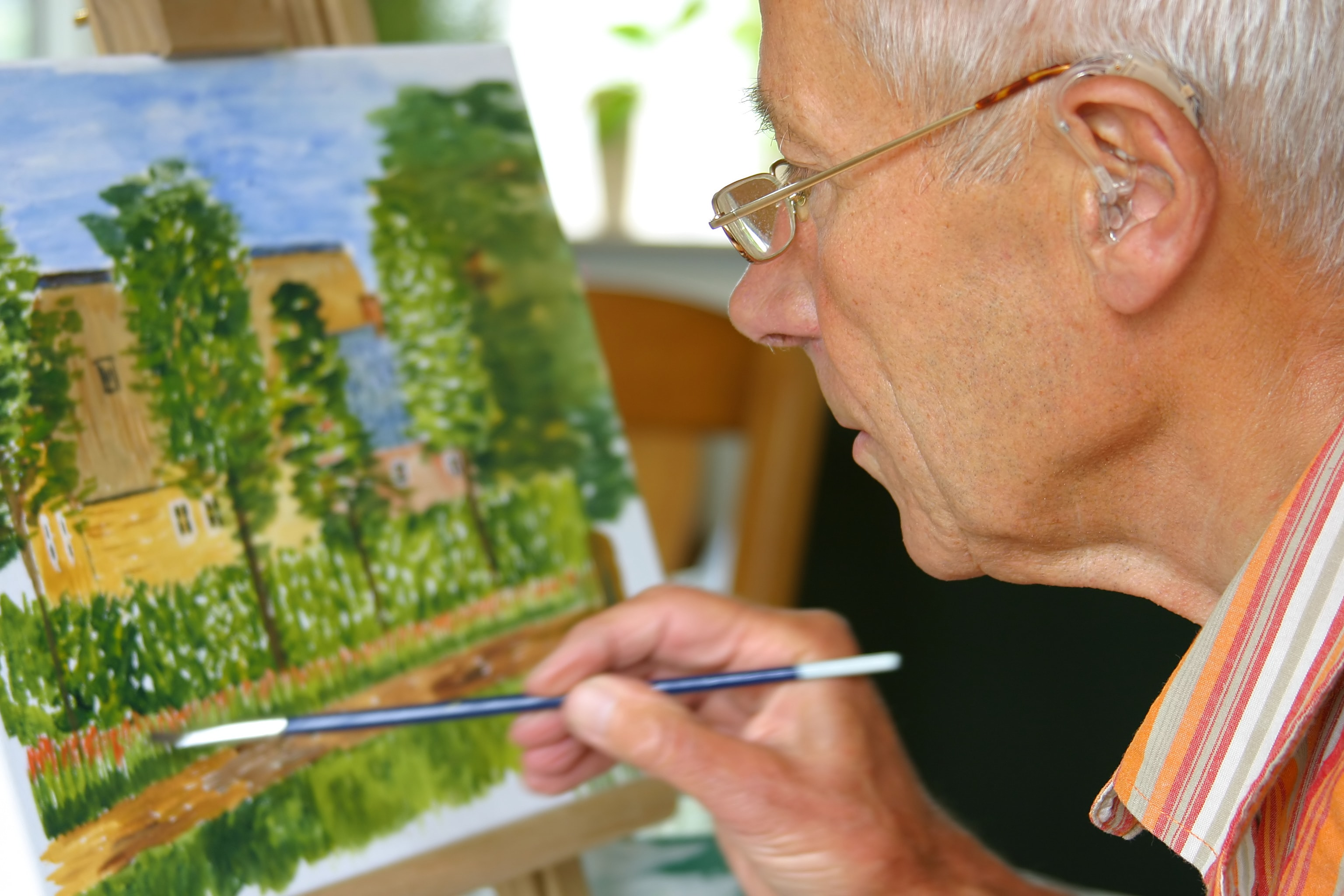 Best Indoor Hobbies for Seniors That Benefit Both the Body & Mind