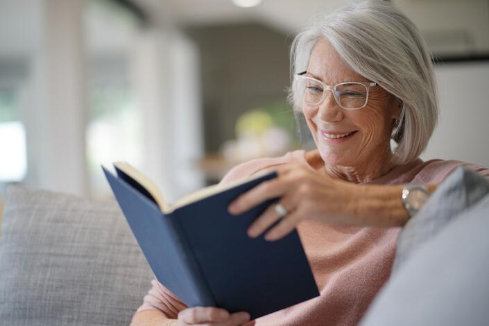 How Does Lifelong Learning Prevent Memory Loss?
