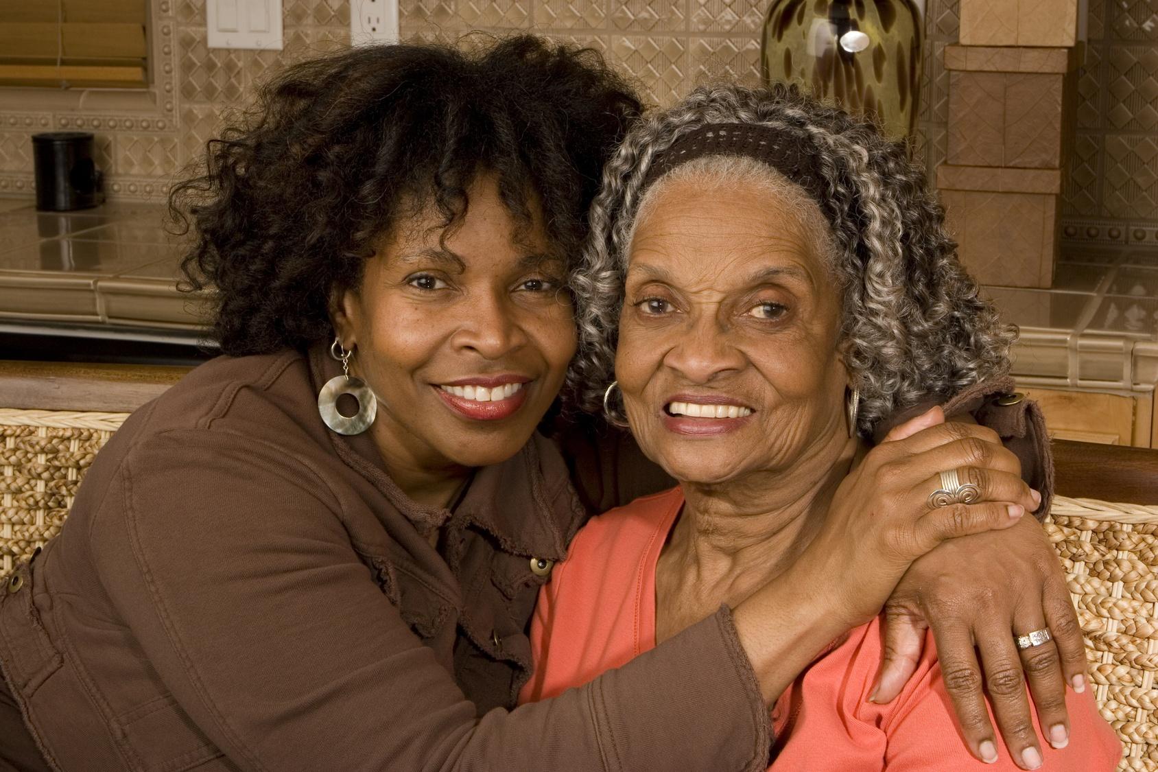 elderly-mother-daughter-memory