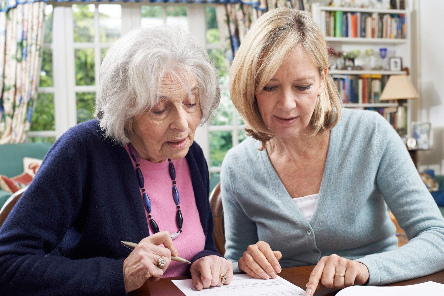 Here's What You Need to Know About Paying for Your Parent's Memory Care