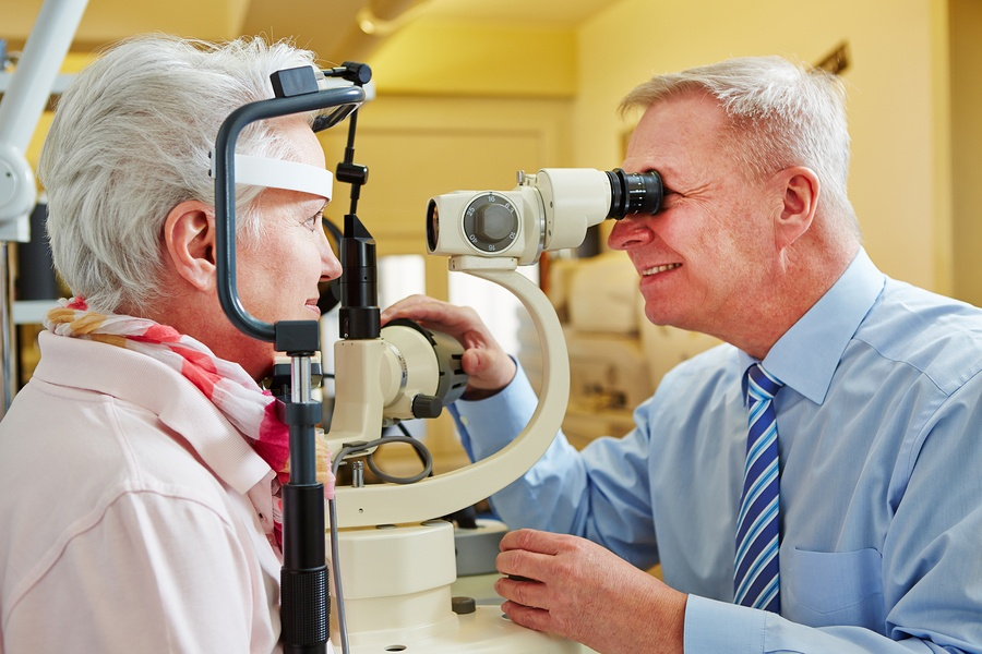 5 Things for Seniors to Know During National Glaucoma Awareness Month