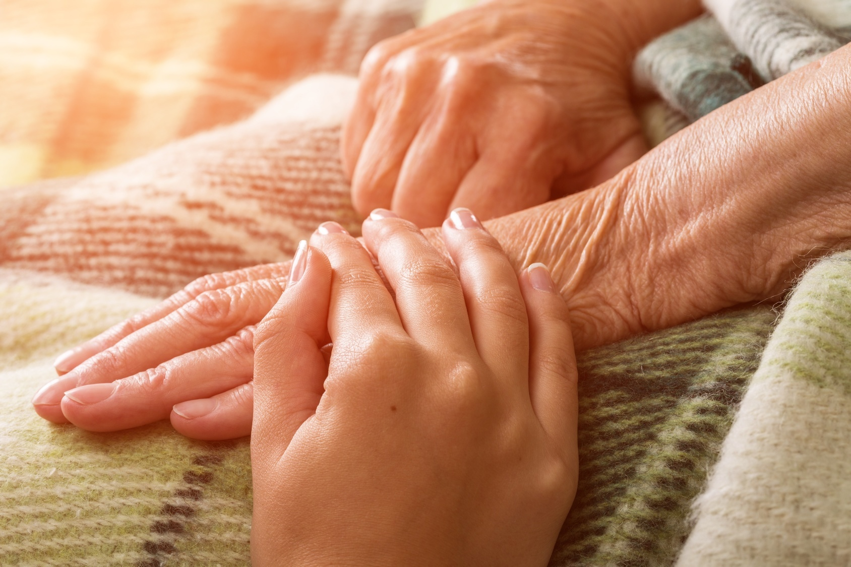 What's the Difference Between Hospice and Palliative Care?