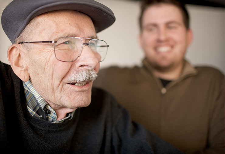 6 Ways To Help Loved Ones Cope With Sundowner's Syndrome
