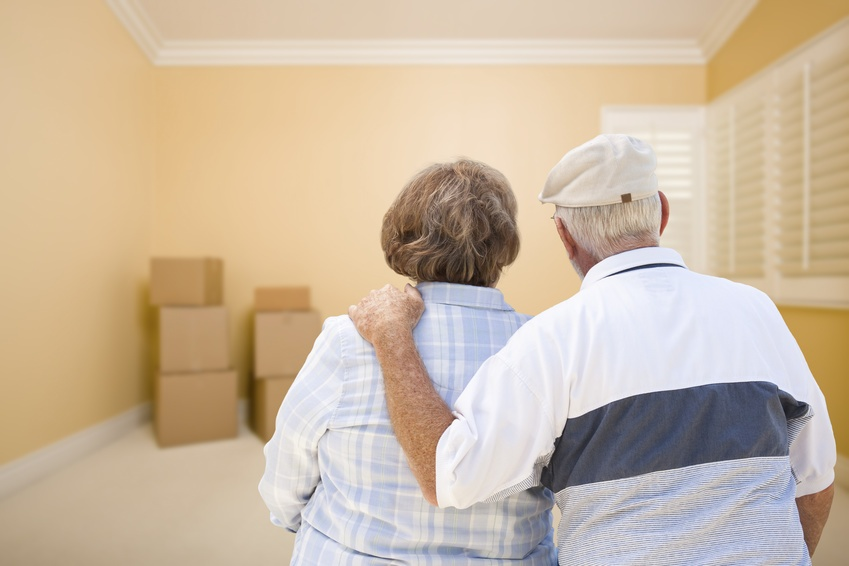 What To Say To An Elderly Loved One Who Doesn't Want To Move